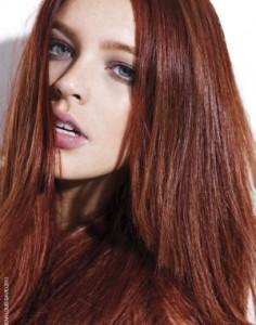 Mode pour femme : couleur cheveux auburn