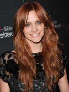 Belle couleur cheveux auburn pour femme