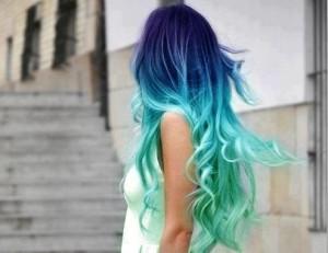 Belle couleur cheveux flashy pour femme