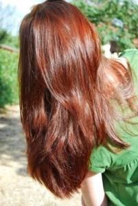 Modèle couleur cheveux henné