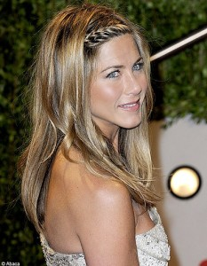 Exemple couleur cheveux jennifer aniston