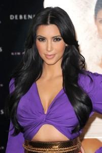 Modèle couleur cheveux noir
