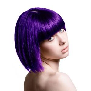 Jolie couleur cheveux violet foncé