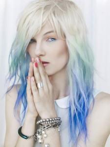 Idée coloration cheveux bleu pastel