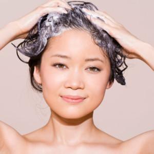 Belle coloration cheveux gras pour femme