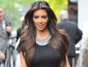 Idée coloration cheveux kim kardashian