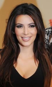 Belle coloration cheveux kim kardashian pour femme