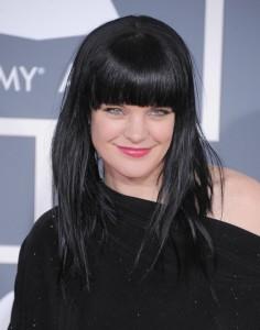Quelle coloration cheveux noir bleuté