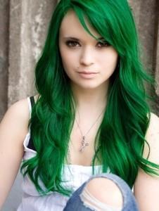 Modèle coloration cheveux vert