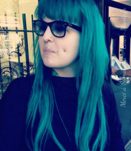 Belle coloration cheveux vert pour femme