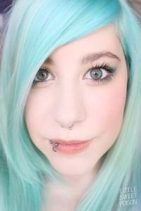 Belle coloration cheveux vert alpin pour femme
