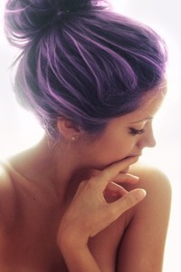 Exemple coloration cheveux violet pastel