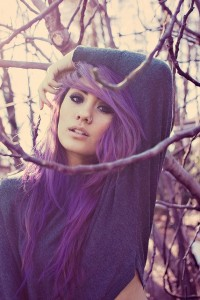 Inspiration coloration cheveux violet pastel