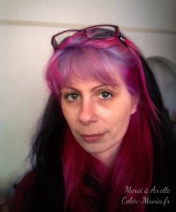 Belle coloration cheveux violet pastel pour femme