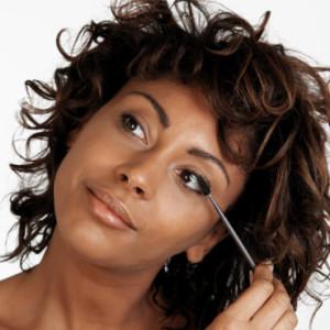Belle coloration cheveux yeux noirs pour femme