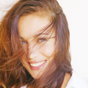 Belle couleur cheveux a la mode pour femme