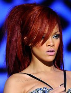 Tendance : couleur cheveux acajou