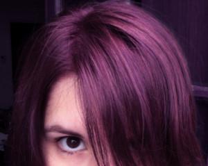 Belle couleur cheveux aubergine pour femme - Couleur violet aubergine ...