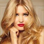 Modèle couleur cheveux blond