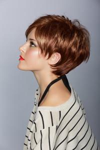 Jolie couleur cheveux courts
