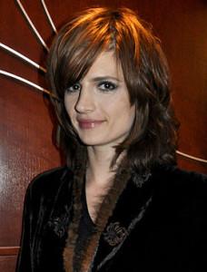 Jolie couleur cheveux kate beckett