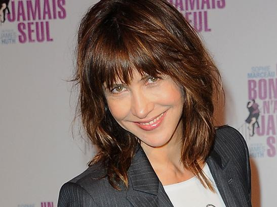 coupe cheveux sophie marceau 2018 coiffures l gantes 2018. Black Bedroom Furniture Sets. Home Design Ideas