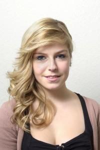 Mode pour femme : couleur cheveux teint pale