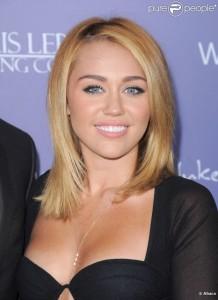 Belle couleur cheveux teint pale pour femme