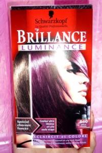 Modèle couleur cheveux ultra violet