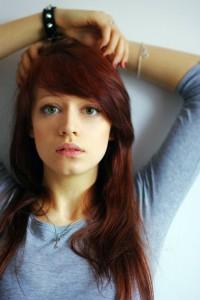 Jolie couleur cheveux yeux bleus peau claire