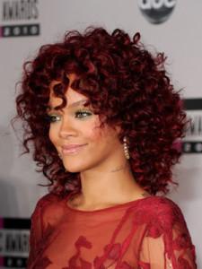 Mode pour femme : coloration cheveux acajou