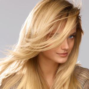 Jolie coloration cheveux blond