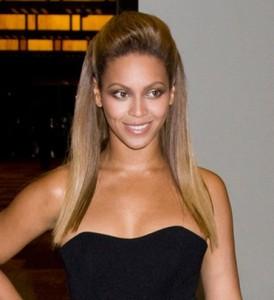 Mode pour femme : coloration cheveux chatain clair