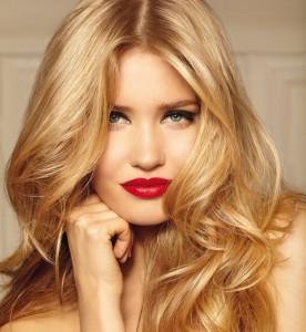 Mode pour femme : coloration cheveux jaune