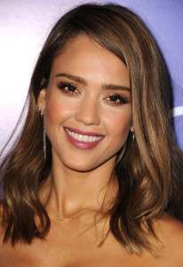 Jolie coloration cheveux jessica alba