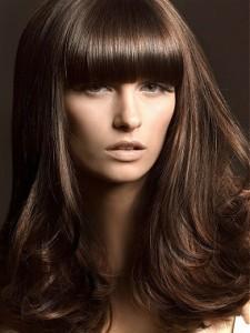 Tendance : coloration cheveux noir a chatain