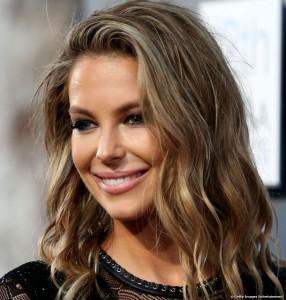 Mode pour femme : couleur cheveux bronde