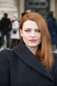Jolie couleur cheveux elodie frege