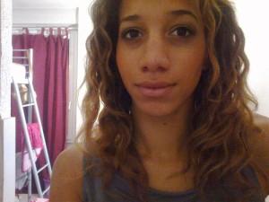 Mode pour femme : couleur cheveux metisse