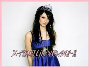 Belle couleur cheveux noir bleuté pour femme