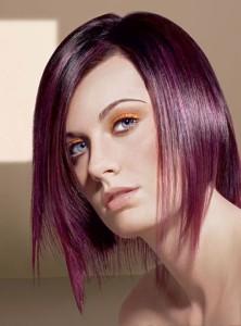 Modèle couleur cheveux prune