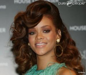 Exemple couleur cheveux rihanna