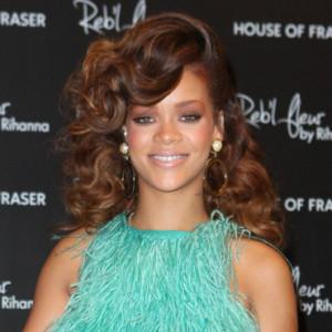 Idée couleur cheveux rihanna