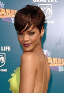 Mode pour femme : couleur cheveux rihanna