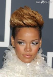 Belle couleur cheveux rihanna pour femme