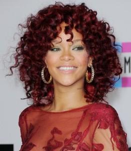 Jolie couleur cheveux rihanna