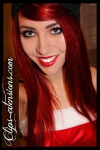 Modèle couleur cheveux rouge rubis