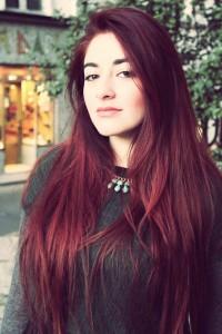 Tendance : couleur cheveux violet rouge