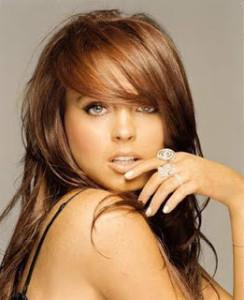 Belle coloration cheveux caramel pour femme