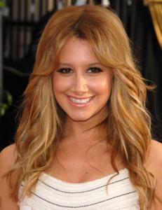 Jolie coloration cheveux doré